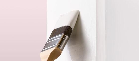 måla möbler med pensel