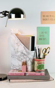 Tidskriftsamlare, tidningssamlare eller tidningsställ av ett flingpaket, av Monica Karlstein, med Hemmafixbloggen.
