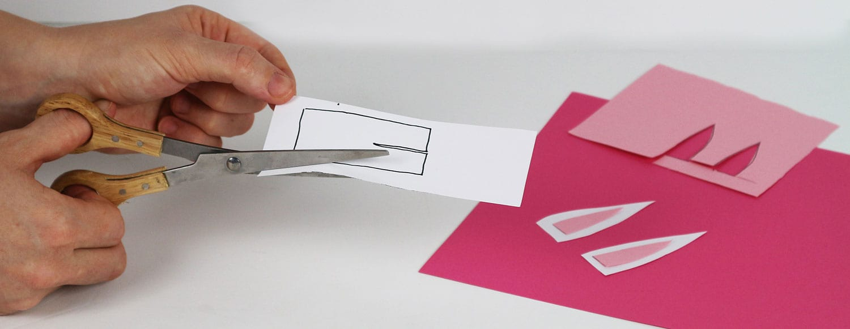 Påskpyssel av papper för barn. Ett kuvert i form av en påskhare, av Monica Karlstein, Hemmafixbloggen.se.