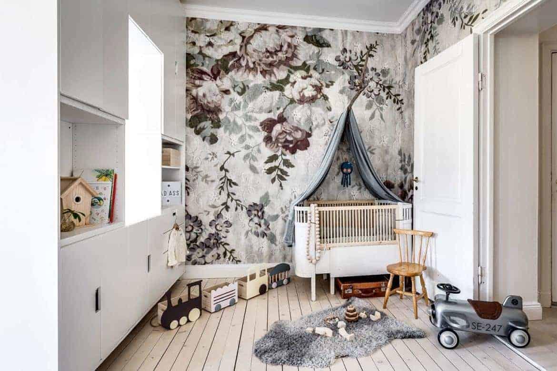 Vackert på väggen till Lilla T:s rum