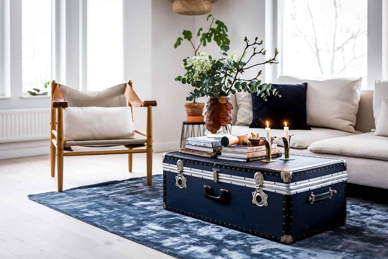 Klär golvet i vinterskrud med stämningsfulla mattor som passar året om