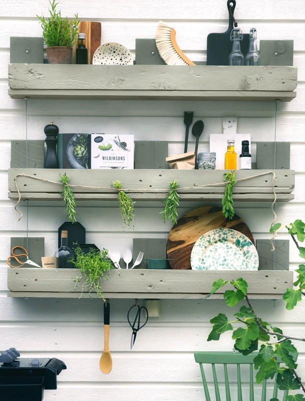 Hylla av en lastpall – bygg möbler av lastpallar
