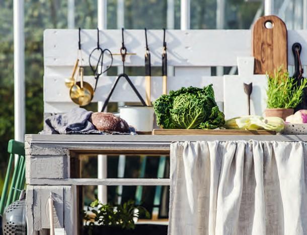 Bygg utekök av lastpallar– trädgårdsmöbler du kan göra själv.