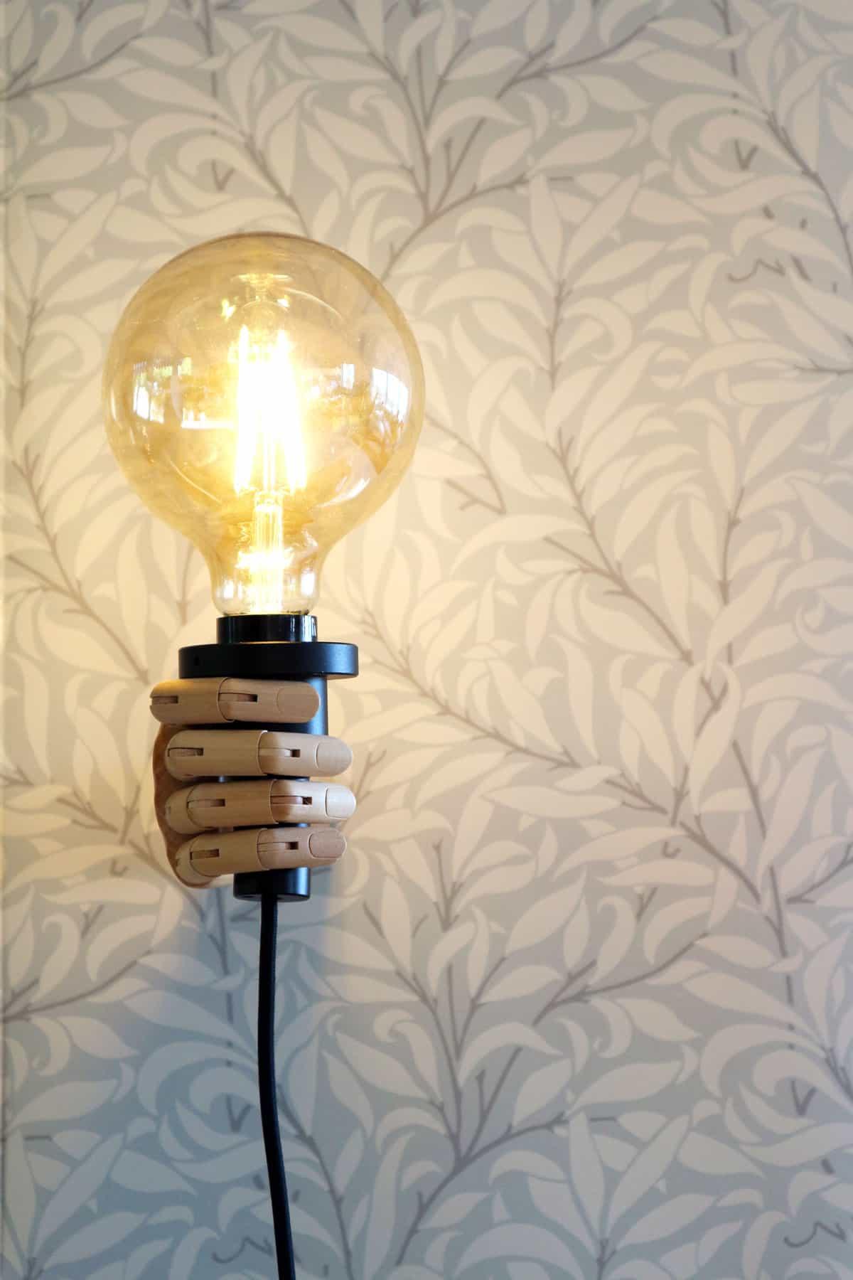 DIY lampa av en hand