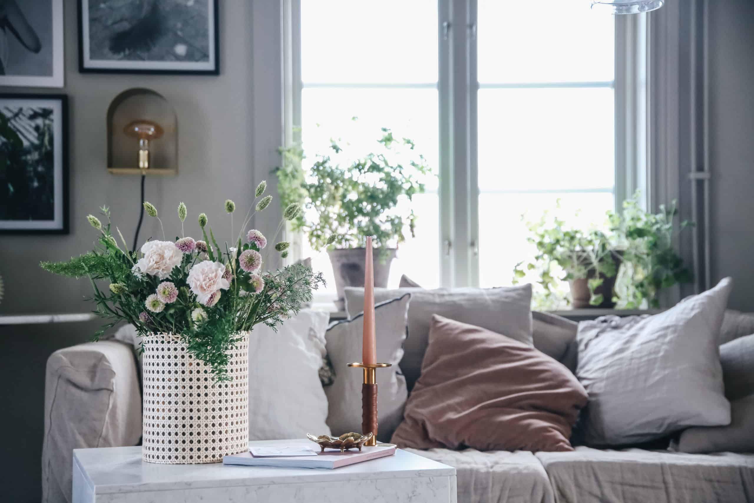 Ikea hack: Förvandla hyllan Tossåsen till vägglampa – perfekt nu när adventsljusstakarna är borta