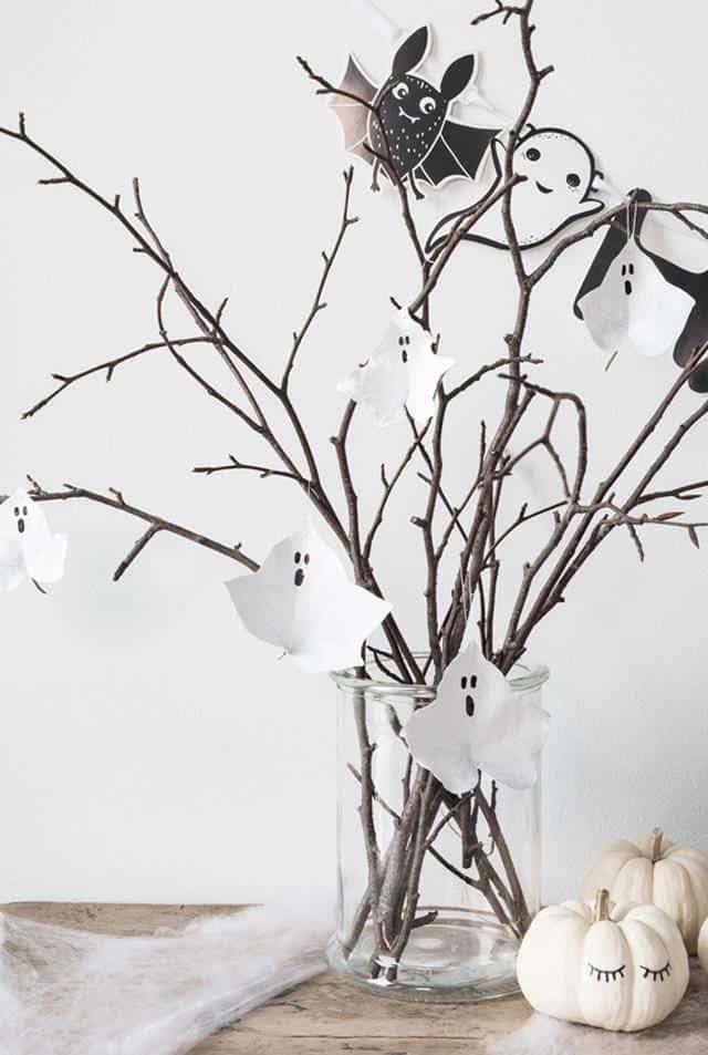 Måla spöken av höstlöv – ett enkelt och stilrent halloweenpyssel