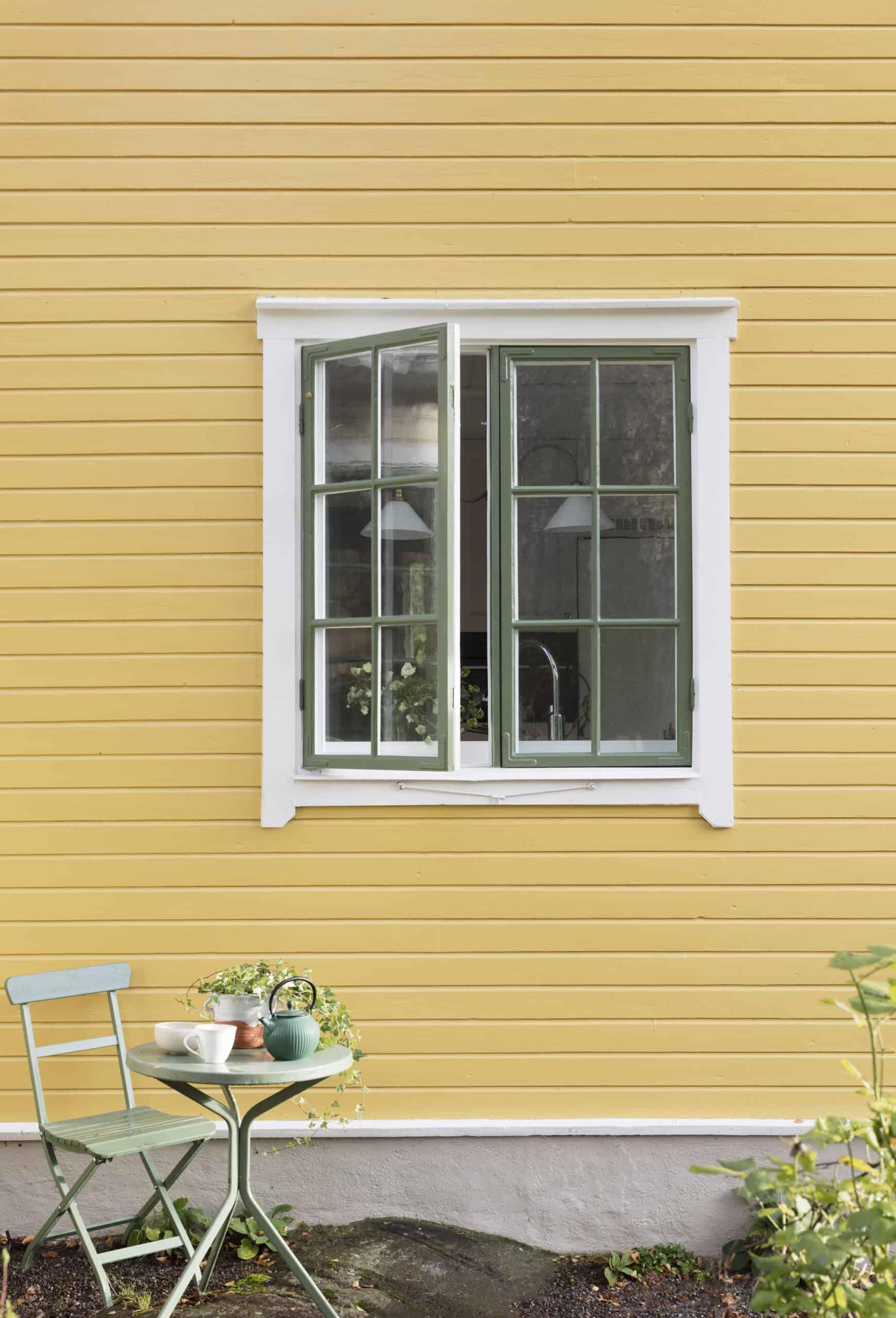Så målar du fönster